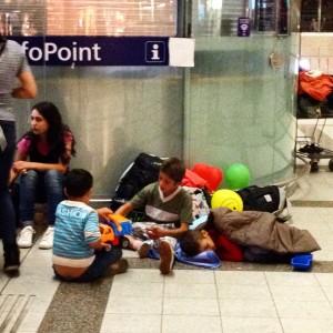 rifugiati bimbi giocano